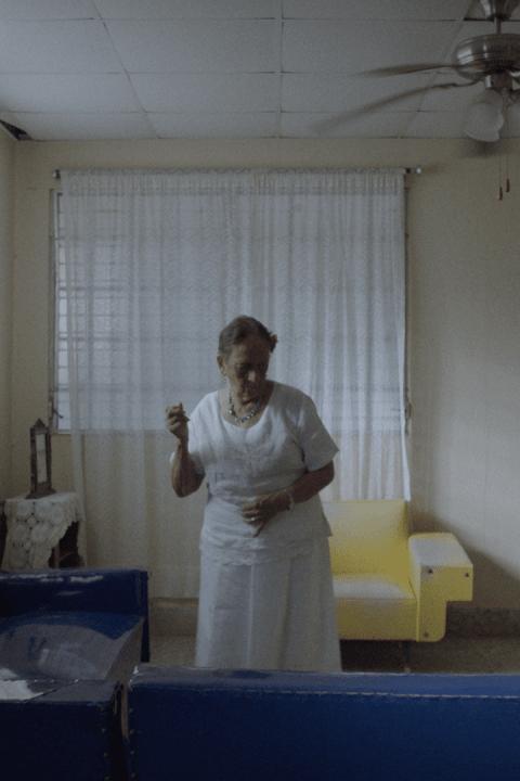 Still película A love song in Spanish